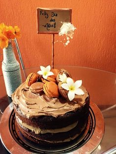 Naked Cake café,  buttercream de chocolate e macarrons