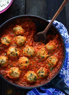 Chickpea Dumplings in Curry Tomato Sauce - a perfect vegetarian one pot dish; protein-rich chickpea dumplings are cooked directly in rich curry tomato sauce; to veganize, use non-dairy yogurt (Pepper Jack Cheese Grits) Vegetarian Recipes Easy, Vegetarian Cooking, Veggie Recipes, Indian Food Recipes, Whole Food Recipes, Cooking Recipes, Healthy Recipes, Punjabi Recipes, Vegetarian Barbecue