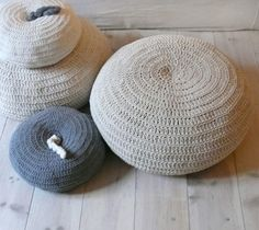 Example of plain design crochet cushions and pouffes from lacasadecoto on Etsy. This board has full details of these. Small cushions start at approx Knitted Pouffe, Crochet Pouf, Crochet Cushions, Hand Crochet, Hand Knitting, Small Cushions, Floor Cushions, Floor Pouf, Big Knits