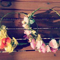 Da un toque original a tu estilo. Coronas de flores artificiales y naturales en Baladre de Colón.