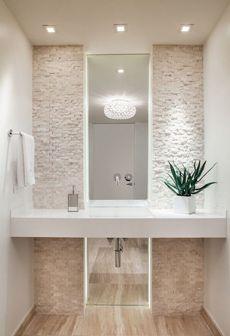 Espejo grande para cuarto de baño en colores claros y cremas