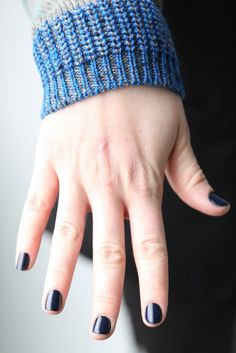 Tess Giberson: The simple manicure at Tess Giberson's Fall 2013 presentation was a bold cobalt blue that made a statement on its own.