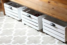 Transform a wooden crate by adding some paint, rolling casters, and hardware to create a DIY Rolling Storage Bin! Diy Shoe Storage, Diy Shoe Rack, Crate Storage, Diy Storage Under Bed, Under Bed Drawers, Crate Shelves, Rv Storage, Shoe Storage With Wheels, Record Storage