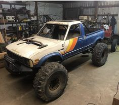 Thinking we need to do a cover story on this rig Toyota Pickup 4x4, Toyota Trucks, Dodge Trucks, 4x4 Trucks, Custom Trucks, Toyota Tacoma Sport, Toyota 4runner Trd, Jeep Wj, Jeep Truck