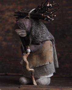 umla Wool Dolls, Felt Dolls, Fabric Dolls, Doll Toys, Diy Rag Dolls, Corn Husk Crafts, Corn Husk Dolls, Sarah Kay, Cat Doll