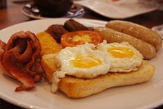 Comenzar la semana a tu lado es fantástico.  #MilenaLeón #QuayatDillar #Cafe 🍴🍎🍉 #coffee #coffeelovers #jamon #ham #oil #aceite #queso #SinLactosa #cheese #fruta #fruit #dulces #zumo #orange #TiendaOnline #Gourmet #bottleandcan #Granada #Andalucia #Andalusia #España #Spain #instagram #rrss www.tienda.bottleandcan.com ☕🍴🍎🍉 📞 +34 958 08 20 69 📲 +34 656 66 22 70