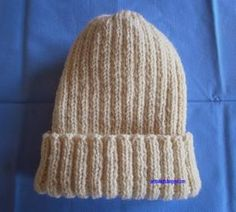 Cast on 100 sts with needle size 4 mm and knit 24 cm rib starting with 2 sts. At 24 cm total height, start … Knit Beanie Pattern, Knit Vest, Bonnet Crochet, Knit Crochet, Fingerless Gloves Knitted, Knitted Hats, Sewing Online, Crochet Purses, Knitting Accessories