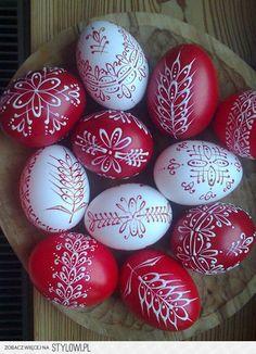 ♡ joyful colors of Easter ♡ . X ღɱɧღ Egg Crafts, Easter Crafts, Easter 2018, Easter Egg Designs, Ukrainian Easter Eggs, Diy Ostern, Egg Art, Easter Holidays, Egg Decorating