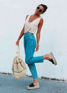 Fashion Trend Right Now 12 outfit ideas to wear espadrilles during spring and summer.Fashion Trend Right Now 12 outfit ideas to wear espadrilles during spring and summer Cute Easter Outfits, Cute Spring Outfits, Spring Fashion Outfits, Spring Summer Fashion, Summer Wear, Style Summer, Summer Outfits Boho Chic, Casual Summer Fashion, Spring Outfits For School
