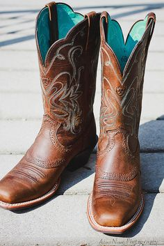 8 Pairs of Cowgirl Boots Every Girl Needs: http://www