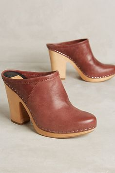 These are going to be so perfect in the fall paired w/ jeans. Dolce Vita Ackley Mules #anthropologie