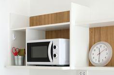 Nejčtenější článek >> 16 věcí, o kterých jste netušili, že vaše mikrovlnka dokáže. Inspirujte se na aukroblogu! Bydlíme, zahradničíme, testujeme, drbeme, doporučujeme! Microwave, Kitchen Appliances, Home, Blog, Diy Kitchen Appliances, Microwave Oven, Home Appliances, Appliances, Ad Home