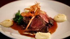 Venison with Braised Red Cabbage and Parsnip Purée - My kitchen rules Parsnip Puree, Braised Red Cabbage, My Kitchen Rules, Great Recipes, Favorite Recipes, Wine Dinner, Venison Recipes, Low Carb Recipes, Main Dishes