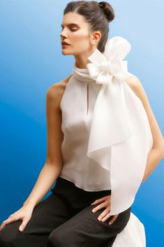 I love silk organza Fashion Details, Look Fashion, Fashion Outfits, Womens Fashion, Fashion Design, Blouse Styles, Blouse Designs, Looks Style, My Style