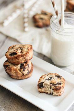 Paleo Chocolate Chunk Shortbread Cookies | Pasi...