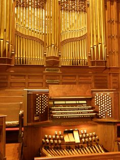 Anderson Memorial Pipe Organ - the pipe organ inspired Leibniz and other early scholars who pondered the possibilities of a computing device