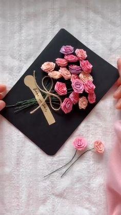 Paper Flowers Craft, Easy Paper Crafts, Paper Crafts Origami, Flower Crafts, Diy Crafts Hacks, Diy Crafts For Gifts, Diy Gifts Videos, Paper Flower Tutorial, Valentines Diy