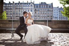newlyweds paris / One and Only Photography Paris / Styling: Fete in France / frenchweddingstyle.com