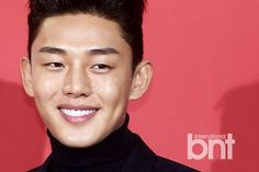 Cleft Chin, Korean Drama Stars, Sungkyunkwan Scandal, Yoo Ah In, Secret Love, Love Affair, Actor Model, Dimples, Korean Beauty