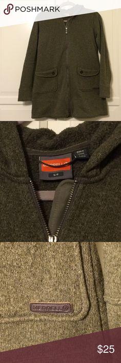 Merrell zip up sweatshirt Long olive green zip up hooded sweatshirt by Merrell. Great condition. Works really well as a light jacket or under a long rain coat when it's chillier. Merrell Tops Sweatshirts & Hoodies