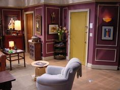 Ross' Apartament. Even though the gang lives in NYC, we rarely see them lock their doors. One of the times was when Ross and Rachel accidentally locked baby Emma in his apartment, so maybe it was safer to just leave them open!