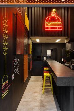 Outdoor Restaurant Design, Deco Restaurant, Burger Restaurant, Restaurant Interior Design, Coffee Shop Interior Design, Coffee Shop Design, Cafe Design, Cake Shop Design, Store Design