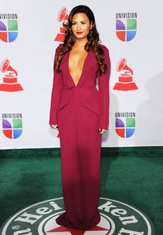 Demi Lovato is HOT in this dress !! Love it all