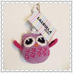 En liten ugglemobil ska flyga hem till en liten flicka  #ugglemobil #barnvagnsmobil #lillkullababy #handmade #crochet #crocheting #instacrochet #instalove #pink #babygirl #owl #owls #amigurumi #amigurumiaddict #crochetowl #crochetlove #crochetlover #toys #toy #babyboy #love #webstagram #cute #instagood #yarnaddict  #knit #virkat  För beställning kontakta lillkullababy@gmail.com  by lillkullababy
