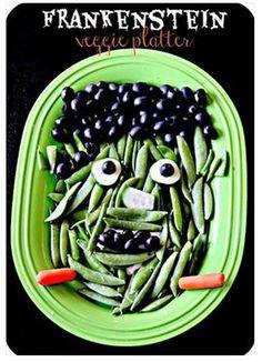 Frankenstein Halloween veggie tray | Blue Skies Ahead