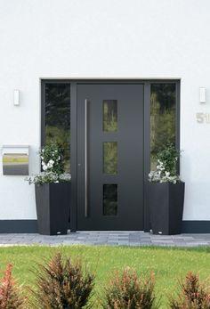 Modern Entrance Door, Front Door Entrance, House Front Door, Entrance Decor, Front Entrances, House Entrance, Aluminium Glass Door, Black Front Doors, Contemporary Front Doors