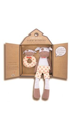 Apple & Park Organic Farm Buddies Gift Set Boxer Dog are safe & Eco-friendly gifts for babies, which made with organic cotton fabric and naturally derived. Cardboard Design, Dog Branding, Shops, Baby Gift Sets, Baby Kind, Organic Farming, Boxer Dogs, Organic Baby, Organic Cotton