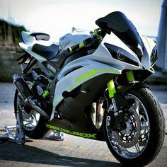 @QuikDMV - Yamaha R6.
