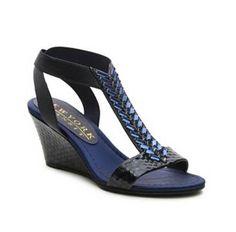 Sandals Women's Shoes flat Low Heel Size 10 Size 10.5 10 Flat | DSW.com