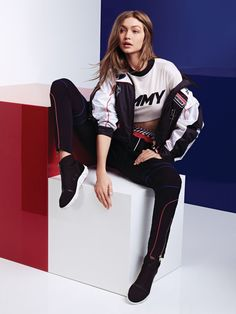 "Gigi Hadid and Tommy Hilfiger Unveil a New Racing-Inspired Collection You'll see it on the runways at Milan Fashion Week.""}, ""http_status"": window. Gigi Hadid Photoshoot, Gigi Hadid Outfits, Estilo Gigi Hadid, Gigi Hadid Style, Urban Fashion, Teen Fashion, Fashion Outfits, Gigi Hadid Tommy Hilfiger, Labo Photo"