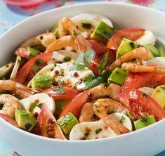 Salade de tomates, avocats, parfumées à la coriandre