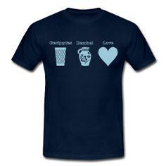 Geripptes - Bembel - Herz | Frankfurt Geschenke Männer T-Shirt Klassisch geschnittenes T-Shirt für Männer, 100% Baumwolle, Stoffdichte: 190g/m². Marke: B&C   Details Geripptes - Bembel - Herz | Frankfurt Souvenirs rund um den Bembel, Hessen Motive und mehr. Unseren Frankfurt Schmuck findet Ihr auf www.Bembeltown.de oder folgt uns auf FB für alle News. #Bembel #Geripptes #Frankfurt #Hessen