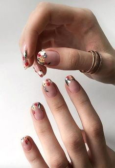 Acrylic nail designs 207095282852830459 - 63 Cute Nail Designs for Every Nail Length & Season: Cute Nails to Try Source by stylecraze Minimalist Nails, Cute Nails, Pretty Nails, Sunflower Nails, Nagel Hacks, Nagellack Trends, Nail Length, Pretty Nail Designs, Flower Designs For Nails