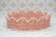 Crochet childrens crown free us pattern - hæklet krone gratis dansk opskrift