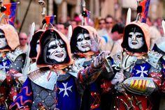 Fiestas de Moros y Cristianos de #Alcoy. Filà Aragonesos. #Alcoi #MorosyCristianos http://www.casascostablanca.nl