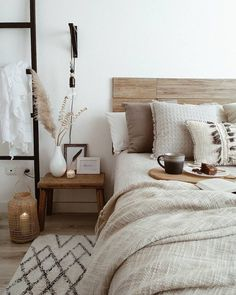 Neutral room decor # room decor # room inspiration - # bedroom # decor # neutral - each of us has un Home Decor Bedroom, Nordic Bedroom, Scandinavian Bedroom, Bedroom Décor, Bedroom Rustic, Couple Bedroom Decor, Decor Room, Mirrored Bedroom, Modern Farmhouse Bedroom