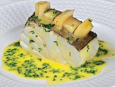 Lomos de bacalao con puerros confitados #recipes #cuisine