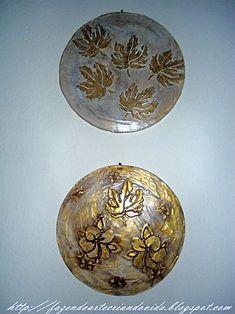 Mandalas de flores e folhas feitas com embalagens de isopor