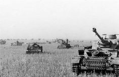 Battle of Kursk was the largest tank battle ever fought with each side deploying nearly 3000 tanks.  - Bundesarchiv Bild 101III-Merz-014-12A / Merz / CC-BY-SA 3.0