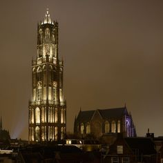 nederland_-_utrecht_de_dom_verlichting_bij_nacht_1370428248.jpg (721×721)