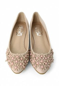 3D Floral Beads Flat Shoes in Nude Pink