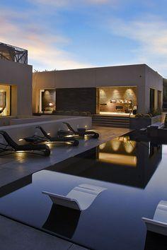 Modern House in the Desert Full of Dramatic Art