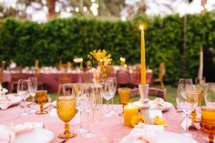 Parker Palm Springs wedding by wedding planner Wild Heart Events. Parker Palm Springs, Palm Springs California, Wild Hearts, Event Design, Wedding Planner, Wedding Venues, Table Settings, Table Decorations, Floral