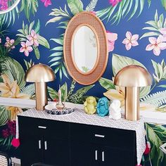 Tropic, colorful jungle. Awesome living room by @Carla Hayden https://www.instagram.com/itscarlabethany/ #jungle #livingroom #Pixers #colors #home #interior #design