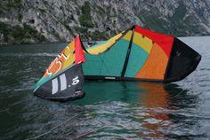 Kite surfing on the Spot Capo Reamol