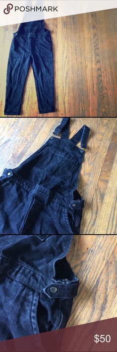 Topshop Moro Black Crop Overalls Topshop black crop overalls || side snaps and zippers at waistband || can roll buttons for cute and casual street fit || EUC || W30 Topshop Jeans Overalls